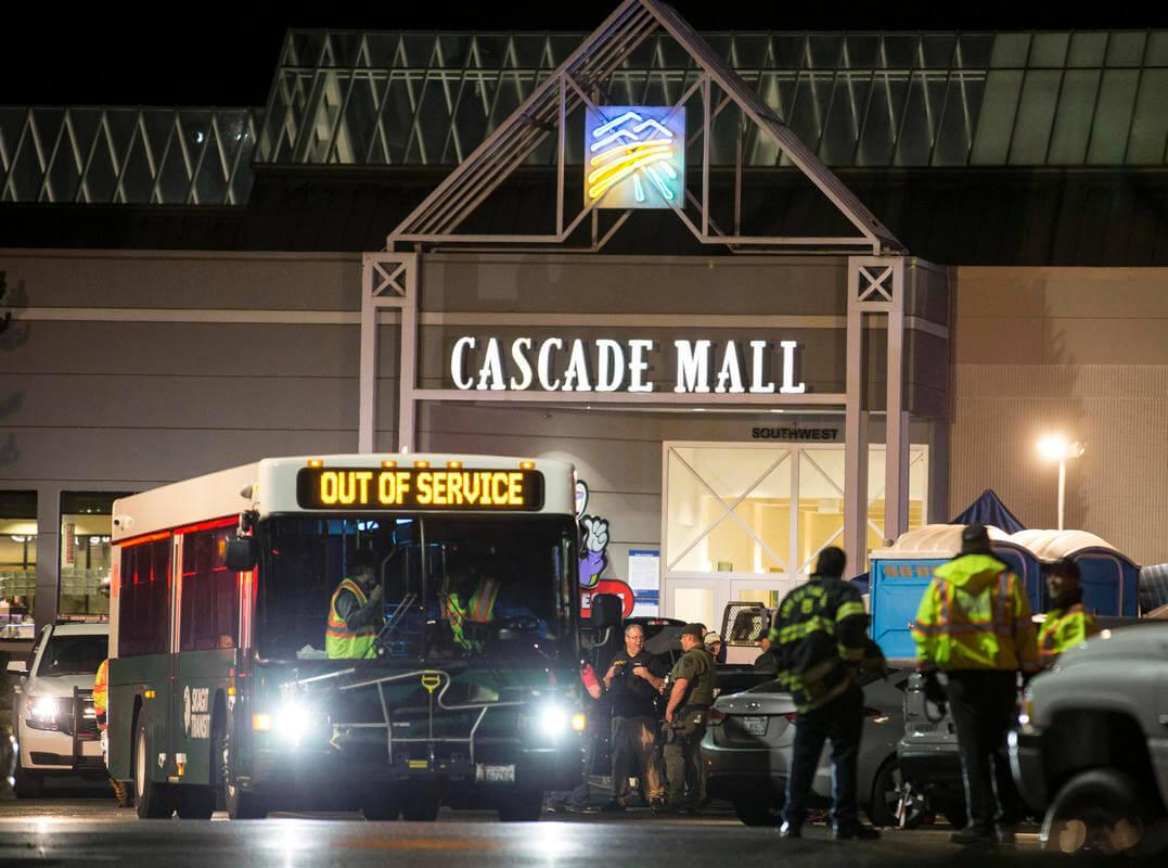 Several units of law enforcement, as well as a bomb squad and medical personnel were dispatched in response to the call involving an armed shooter at a Houston Mall on Monday, Sep. 26th. Photo Courtesy of the Associated Press