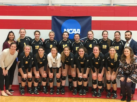 The team poses with Coach Jennings.  Image courtesy of University Athletics