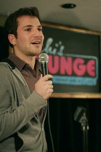 Winter Carnival comedian Aaron Kominos-Smith to take the Rozsa stage Friday night
